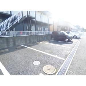 メゾン・ド・キャロル 物件写真4 駐車場