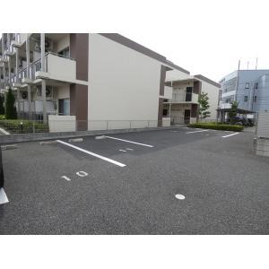 ポートワール三郷中央Ⅲ 物件写真2 駐車場