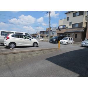 ハイカムールST・ユアサ 物件写真2 駐車場