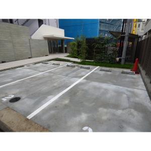 gran CLASS 物件写真2 駐車場