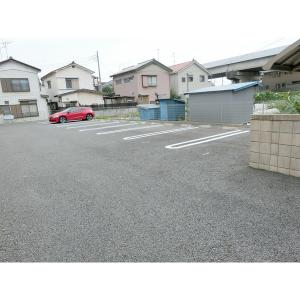 ヴァンヴェール 物件写真2 駐車場