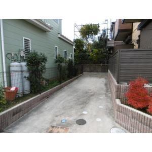 千葉市緑区大膳野町 アパート 物件写真2 駐車場