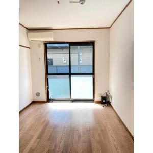 ペアコートⅠ 部屋写真1 居室・リビング