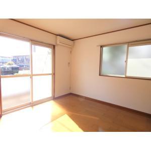 クラージュ 部屋写真1 居室・リビング