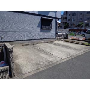 メゾン・ド・クレール 物件写真2 駐車場