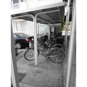 グランディールA 物件写真3 駐輪場