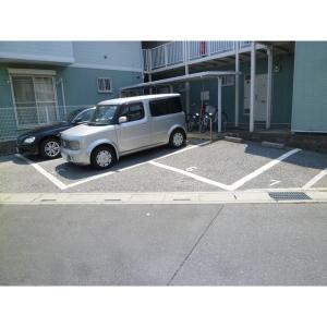 グランディールA 物件写真5 駐車場