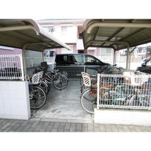 キャトルセゾン C 物件写真2 駐輪場