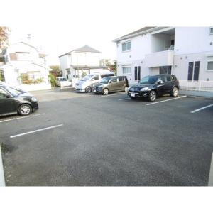キャトルセゾン C 物件写真3 駐車場