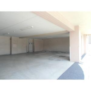 ラフィナート 物件写真2 駐車場