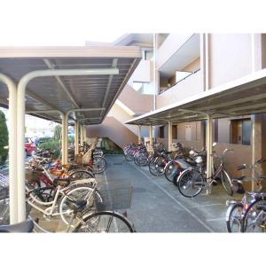 都民住宅メゾネット・ヴィラ 物件写真4 駐輪場