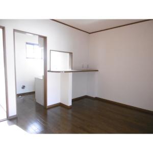 クレセール斉藤 部屋写真6 居室・リビング