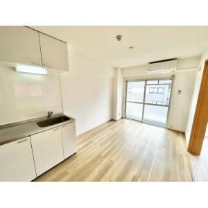 コウセツビル 部屋写真1 居室・リビング