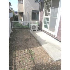 テラスプリマベーラ 部屋写真8 広々明るい庭