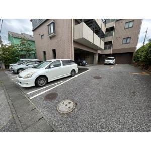 ピアチェーレ 物件写真5 駐車場