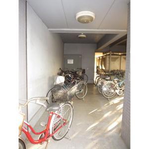 プレステージI 物件写真5 駐輪場