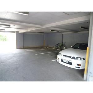 プレステージI 物件写真3 駐車場