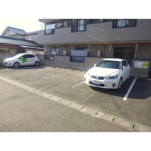 アミークス・Ⅰ 物件写真4 駐車場