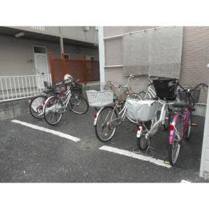 広手ハイツ 物件写真3 駐輪場