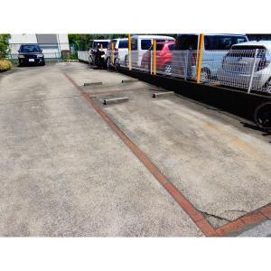 ラテル‐T 物件写真2 駐車場