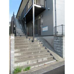 ラフィーネ 物件写真2 階段