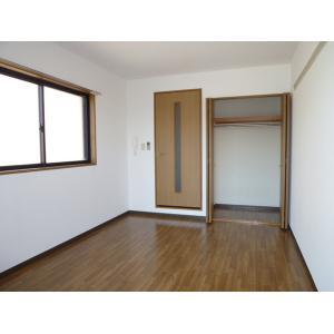 ブランシェ高芝 部屋写真1 居室・リビング