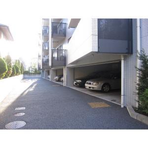 ポルタ・グランデ 物件写真5 駐車場