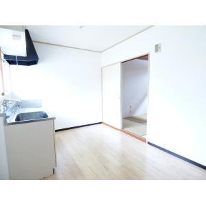 アタミハイツⅠ 部屋写真1 居室・リビング