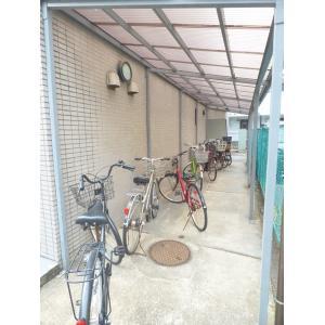グレイス篠崎 物件写真4 屋根つき駐輪場