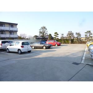 マリーズガーデン 物件写真2 駐車場