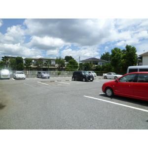 ベルグランD 物件写真4 駐車場