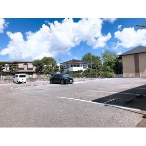 ベルグランE 物件写真3 駐車場