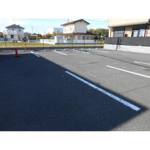 アウローラ 物件写真3 駐車場