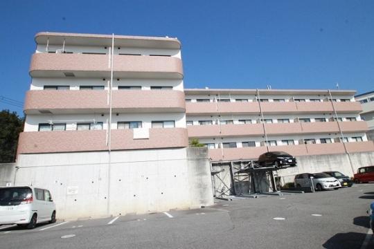 兵庫県宝塚市平井山荘の賃貸マンション