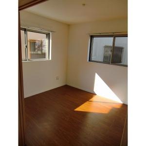 ローレン南荒子 部屋写真2 居室・リビング