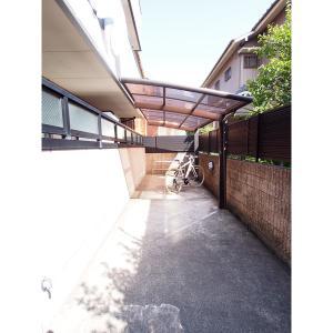 クレセール・タカミ 物件写真4 駐輪場