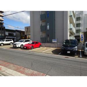 パラシオン西新 物件写真2 駐車場