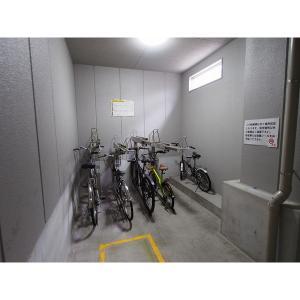 ライジング泉H・Mビル 物件写真3 駐輪場
