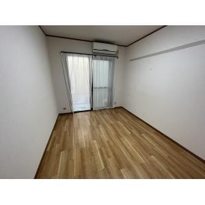 シャリテ今里 部屋写真1 居室・リビング