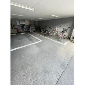 ハイムミニヨン 物件写真3 駐輪場も屋根あります