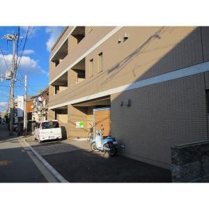 フォーティーン 物件写真5 駐車場