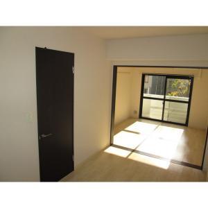 BIG MOG 部屋写真1 居室・リビング