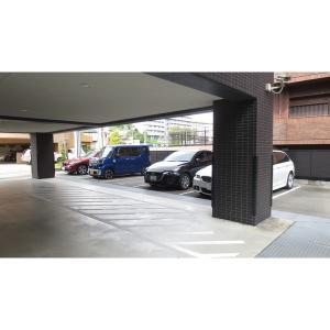 シャトー桃山台 物件写真2 駐車場