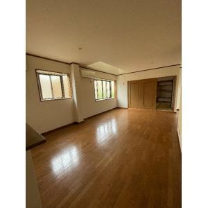 池田市満寿美町貸家 部屋写真1 居室・リビング