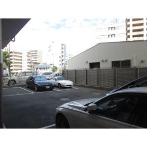 ザ・クイーン新梅田 物件写真4 駐車場