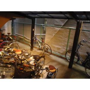 エムズストリーム 物件写真4 駐車場