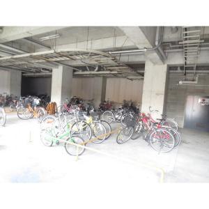 ラ・レジダンス・ド・江坂 物件写真2 駐輪場