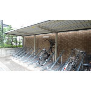 AZURE ESAKA 物件写真2 駐車場