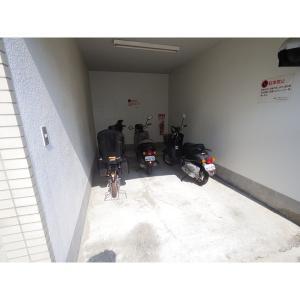 エスポワール塚口北 物件写真5 駐車場