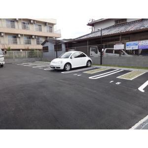 シャバーニ 物件写真3 駐車場